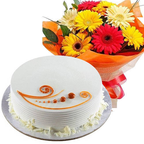Breathtaking Combo of Mixed Flowers Hand Bunch with Vanilla Cake