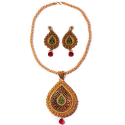 Smart Looking Gold Meenakari Design Necklace Set